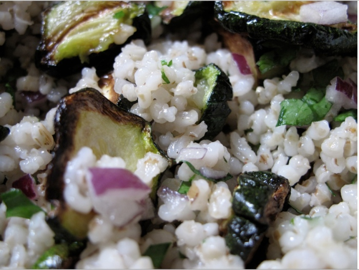 Bbay zucchinis and barley groats salad