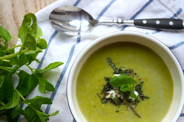 Zupa krem z zielonego groszku z miętą i mascarpone