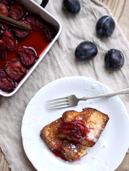 French toast with roasted plums