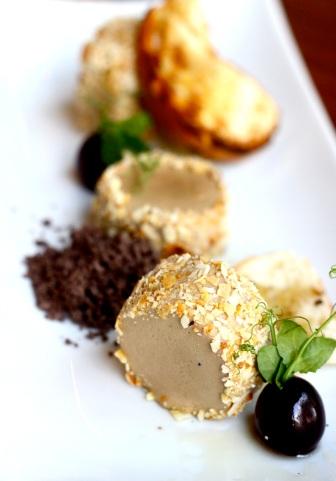 Foie gras z kuminową brioche i giandują