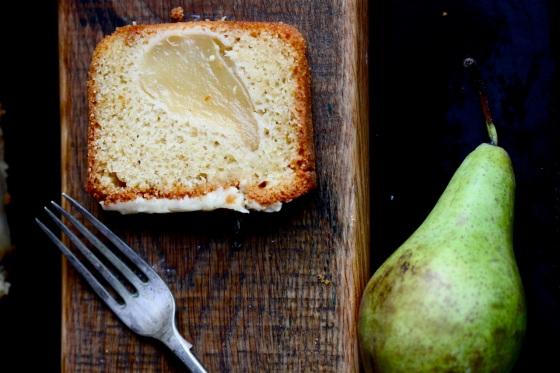 Ciasto kardamonowe z gruszkami
