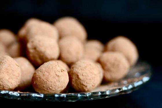 Red wine chocolate trufflesm