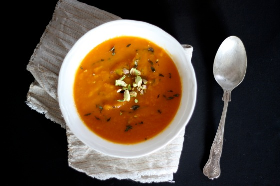 Carrot soup with pistachio