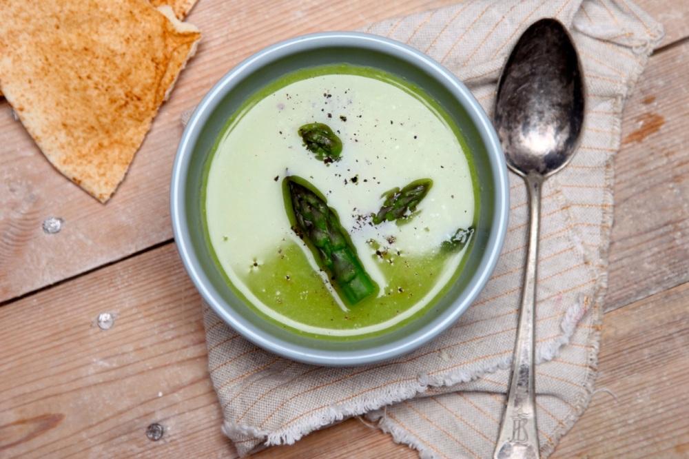 Zupa krem z zielonych szparagówZupa krem z zielonych szparagów