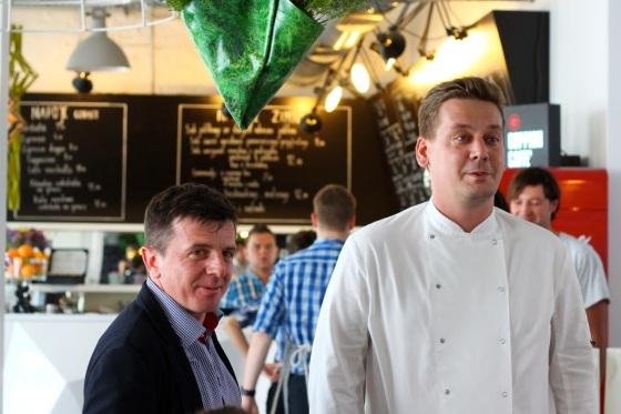 Leszek Józefowski (z lewej), manager Concrodia Taste i Tomek Trąbski, szef kuchni