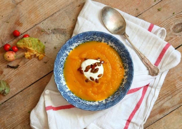 Zupa z dyni z pomarańczą i szafranem