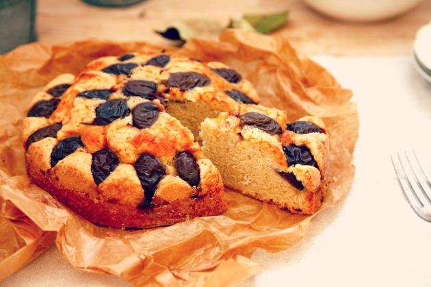 Ciasto cynamonowe ze śliwkami