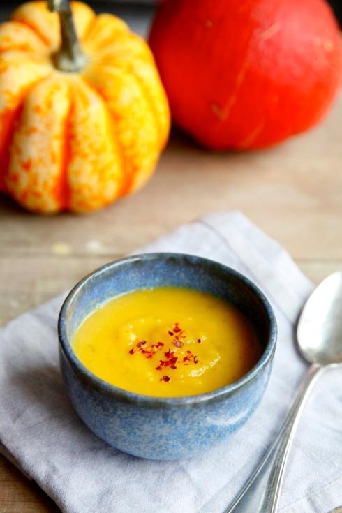 Zupa z dyni z mlekiem kokosowym i chili