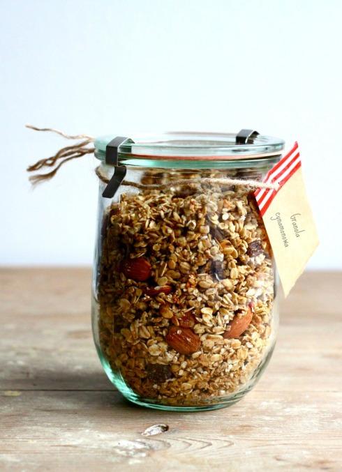 Cynamonowa granola z migdałami