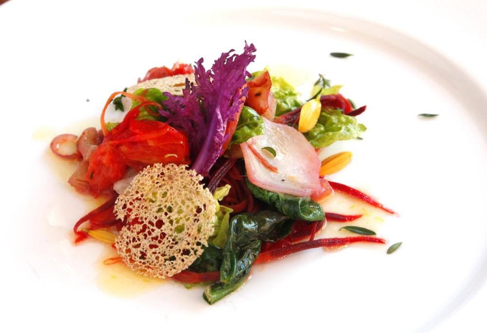 Sałata z topinamburem i kolorową marchwią