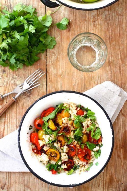 Kuskus z pieczonymi pomidorami, kolendrą i cytryną