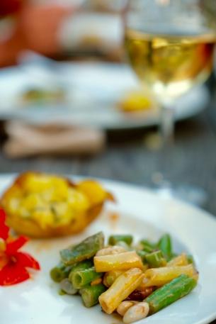 Fasolki z ogrodu z masłem i czosnkiem raz faszerwane ziemniaki z tymiankiem