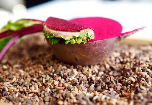 Burak, wątróbka z żabnicy, rzeżucha